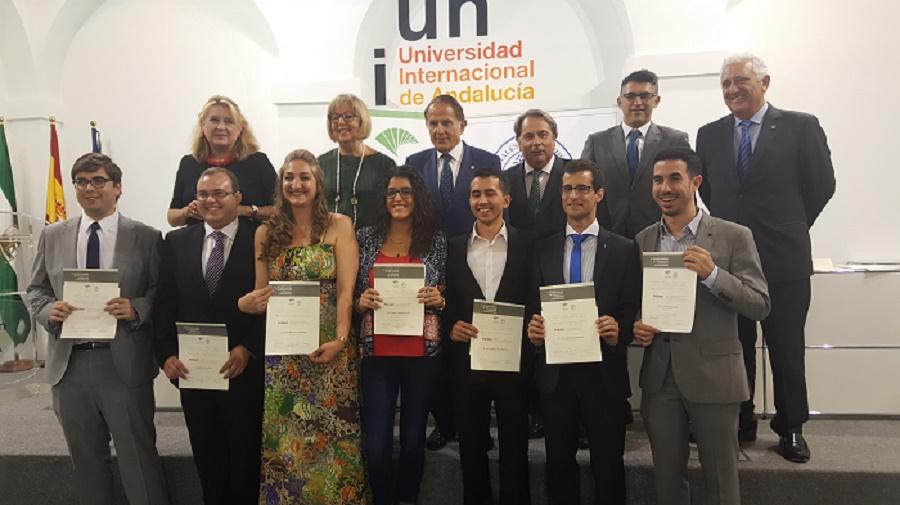 David Amaya Vias, alumno egresado de nuestro Centro, ha sido premiado en la X edicion del Premio Andaluz de Trayectorias Academicas Universitarias